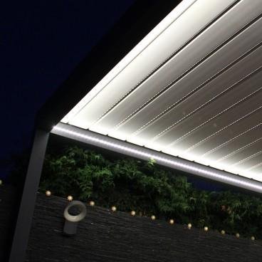 Store Banne Semi-Coffre Bégonia - Pergolas Bioclimatiques, Stores Bannes et Volets sur mesure