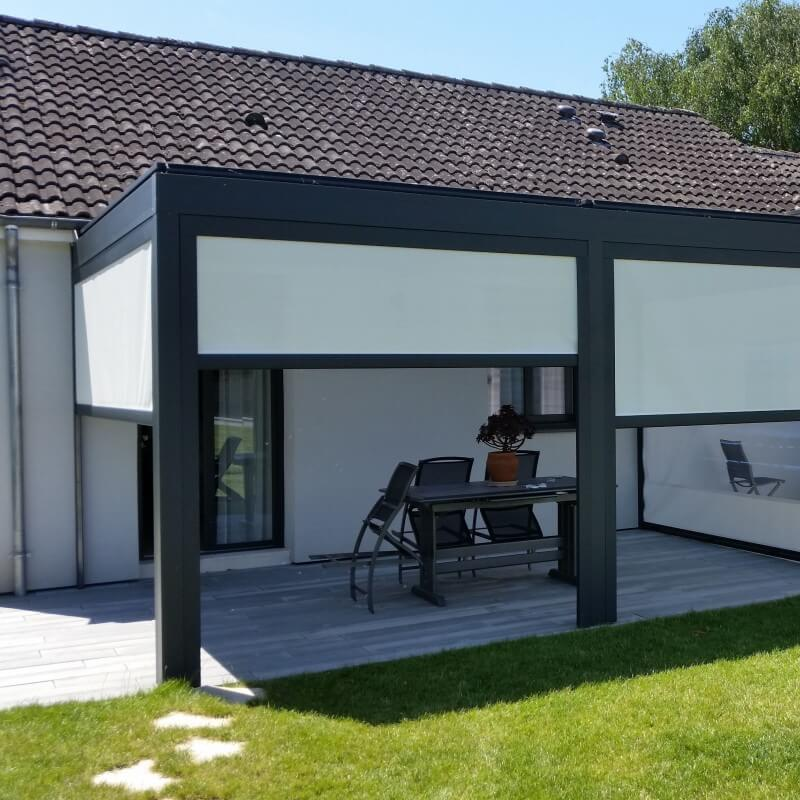 rideau motoris pour pergola bioclimatique design et. Black Bedroom Furniture Sets. Home Design Ideas