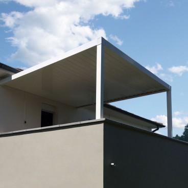Pergola bioclimatique Attractive en aluminium - Pergolas Bioclimatiques, Stores Bannes et Volets sur mesure