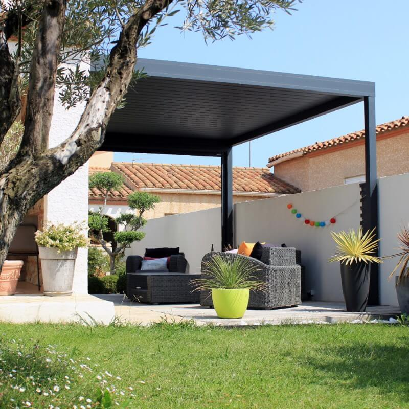 pergola bioclimatique lounge perpendiculaire sur mesure en aluminium. Black Bedroom Furniture Sets. Home Design Ideas