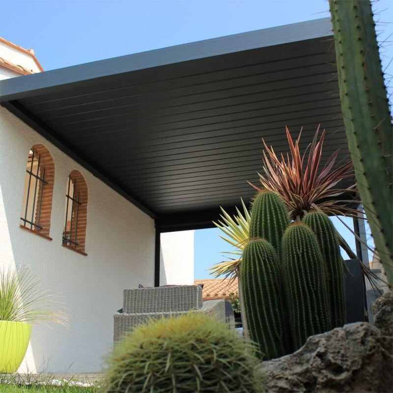 pergola bioclimatique lounge perpendiculaire sur mesure en aluminium. Black Bedroom Furniture Sets. Home Design Ideas