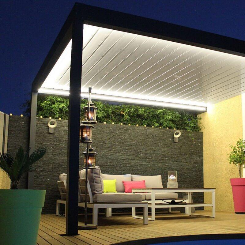 Pergola bioclimatique lounge sur mesure en aluminium - Pergola bioclimatique sur mesure ...